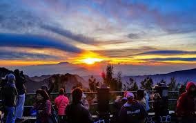 Wisata Gunung Bromo di Probolinggo, dipadati wisatawan domestik.