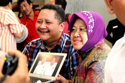 Tim Pemenangan Risma-Whisnu melakukan konsolidasi persiapan pemenangan di Pilwali Surabaya 2015 di hotel di  Kawasan Gubeng, Minggu (20/9) kemarin.