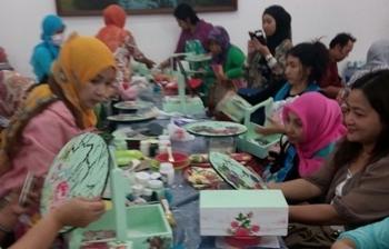 Salah satu usaha UMKM yang memproduksi bordir dari Desa Sumberpasir, Kec Pakis, Kabupaten Malang, yang siap bertarung di MEA.