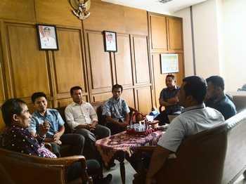Pertemuan komisoner KPUD Batu dengan Bagian Hukum Pemkot Batu yang dilaksanakan di gedung Perkantoran Terpadu Kota Batu.